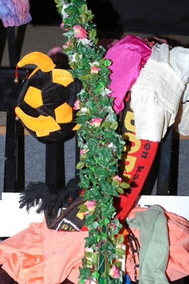Stillleben mit Fußballfan und Monis Outfit